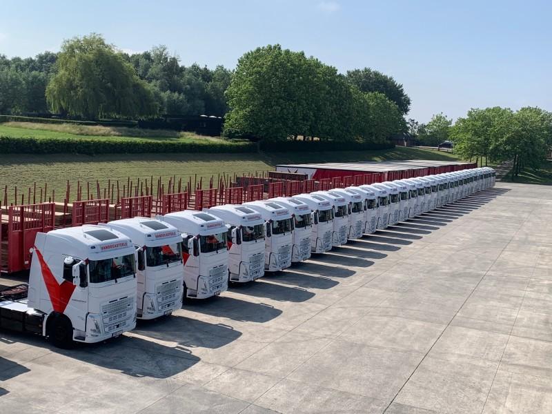 17 new trucks at Vandecasteele houtimport
